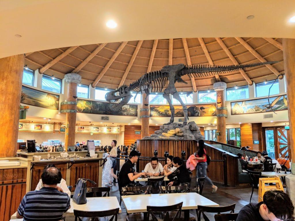 Discovery Food Court(ロストワールドエリア)